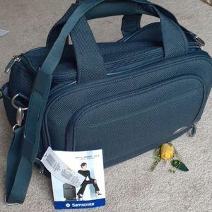 SAMSONITE NWT Boarding Bag